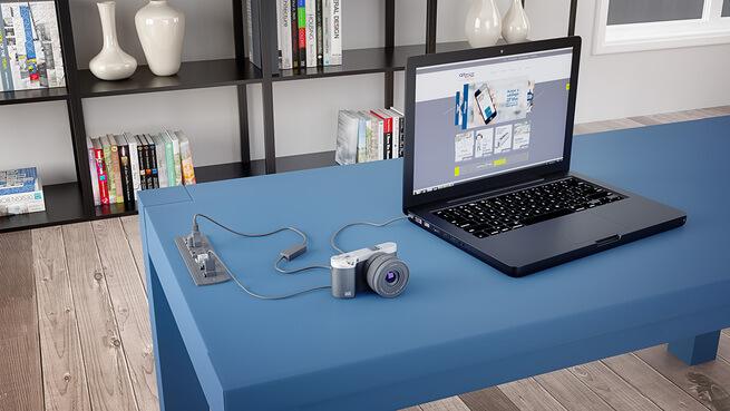 Mesa de home office com notebook